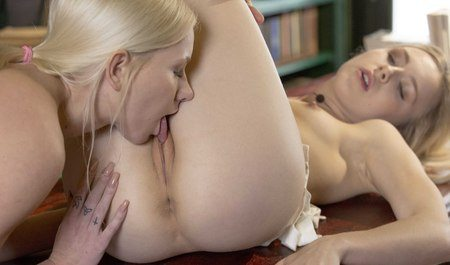 Slender blonde from the suburbs makes love with the beautiful owner of the library