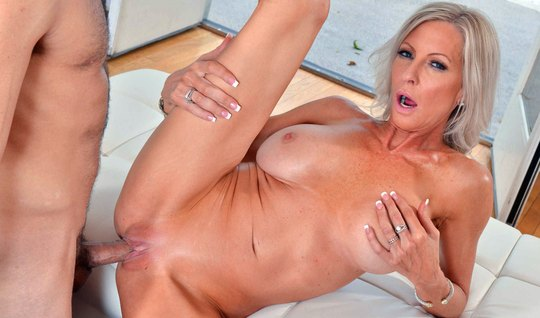 An unshaven neighbor grunts milf with big tits, when that one is at the apartment – you jizz